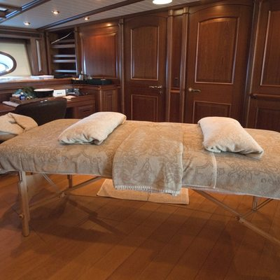 Athos Yacht Treatment Room