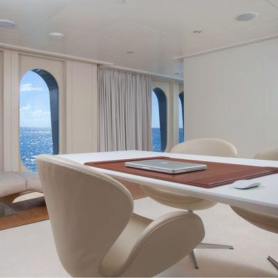 Idol Yacht Master Stateroom Office