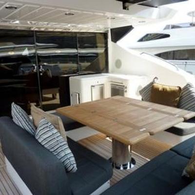 Free Willi Yacht