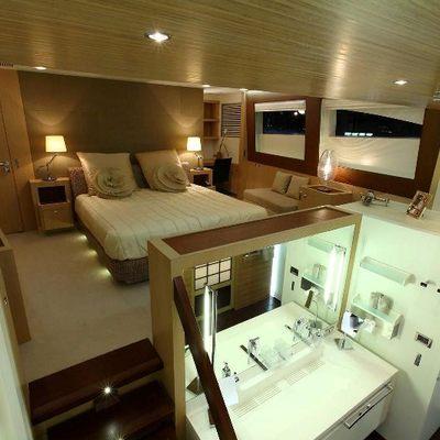 Espresso Yacht Master Stateroom & Bathroom