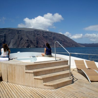 Integrity Sun Deck with Jacuzzi