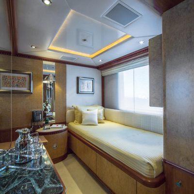 Azul V Yacht Single Stateroom