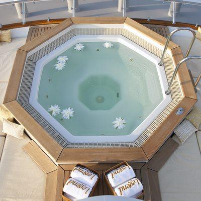 Legend Yacht Jacuzzi - Overhead