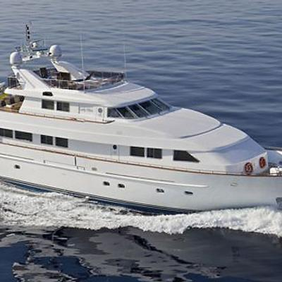 Lady Ellen Yacht Running Shot