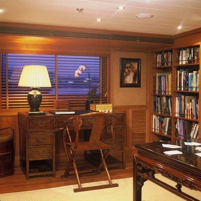 Bleu De Nimes Yacht Study