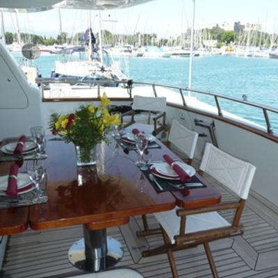 Yakos Yacht