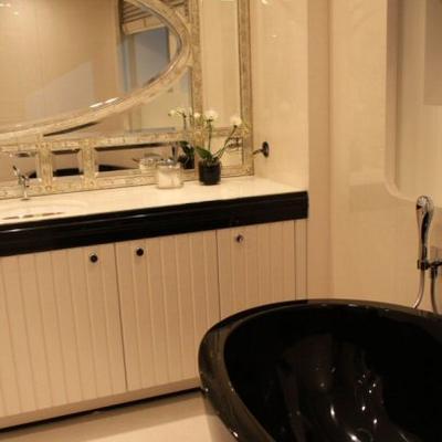 Quite Essential Yacht Master Bath - Detail