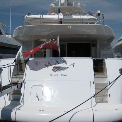 Palm B Yacht Stern