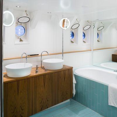 Navigator Yacht Master Bath