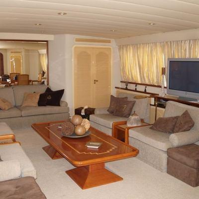 Paradis Yacht Main Salon - Screen