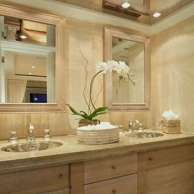 Perle Bleue Yacht Guest Bathroom