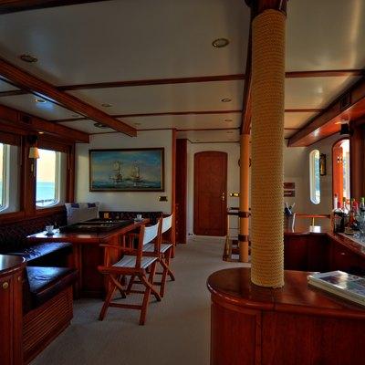 Silver Cloud Yacht Salon
