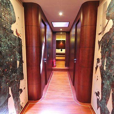 Casa Dell Arte II Yacht Hallway