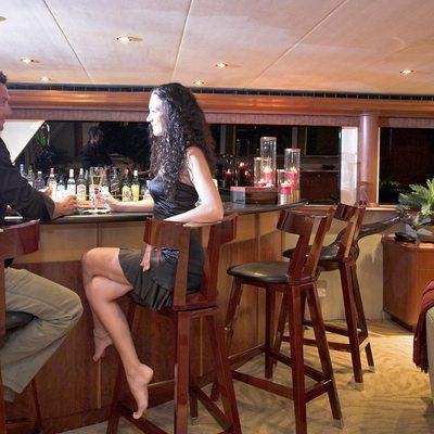 Nicole Evelyn Yacht Skylounge Bar