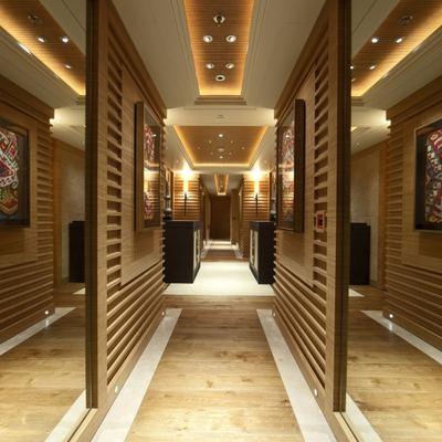 Naia Yacht Corridor - Mirrors