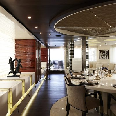 E & E Yacht Dining Salon