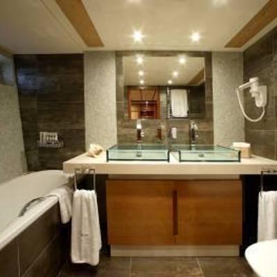 Corvus Yacht Bath