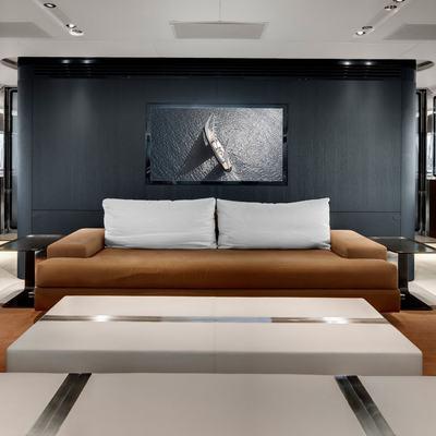 Vertigo Yacht Salon - Overview