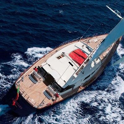 Heritage Yacht Running Shot - Overhead