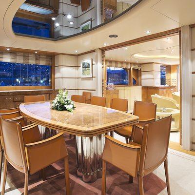 Desamis B Yacht Dining area