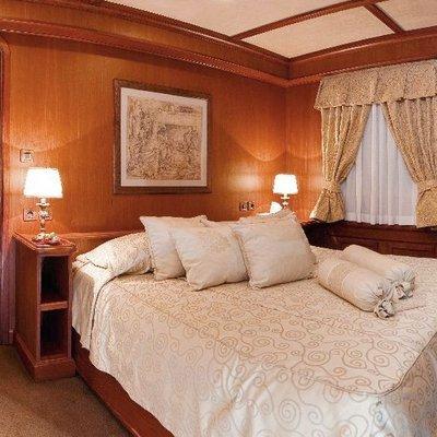 Seagull II Yacht VIP Stateroom
