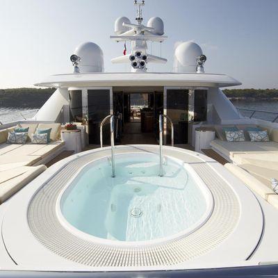 Lady Britt Yacht Jacuzzi On The Sun Deck