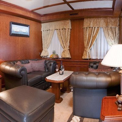 Seagull II Yacht VIP Salon