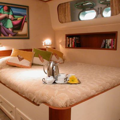 Ava Yacht Guest Staetroom
