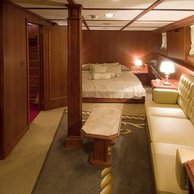Seagull II Yacht Stateroom