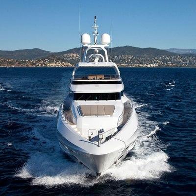 Seven S Yacht Running Shot - Front