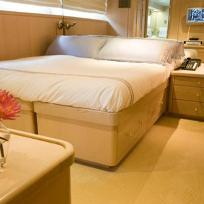 Silent World II Yacht Convertible Guest Stateroom
