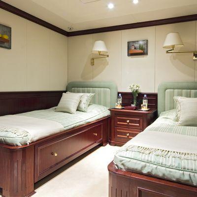 Legend Yacht Twin Stateroom