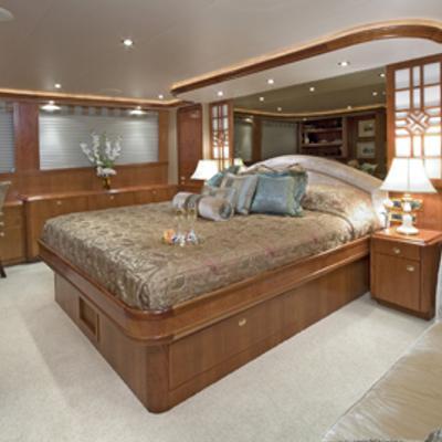 Serengeti Yacht Master Stateroom