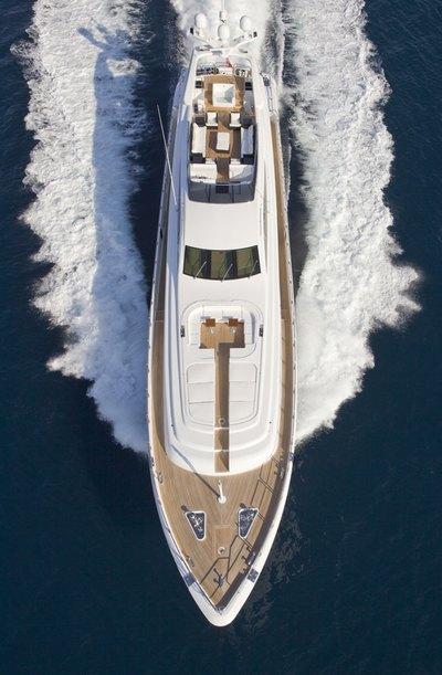 Lisa IV Yacht Overhead