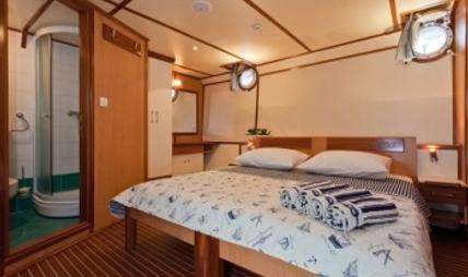 Amorena Charter Yacht - 4