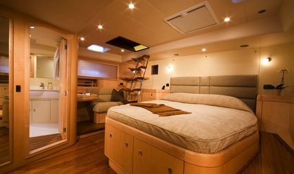 Dama de Noche Charter Yacht - 6