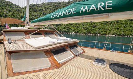 Grande Mare Charter Yacht - 2