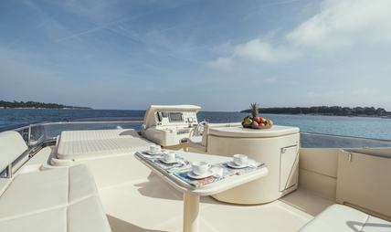 To Escape Charter Yacht - 3