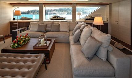 Anything Goes V Charter Yacht - 8