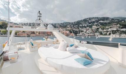 Beija Flore Charter Yacht - 3