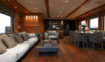 Funky Choice Charter Yacht - 8