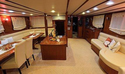 Aurum Charter Yacht - 4