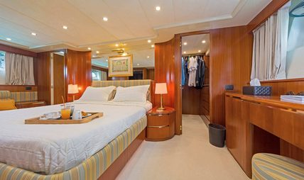 Lucy Pink Charter Yacht - 8