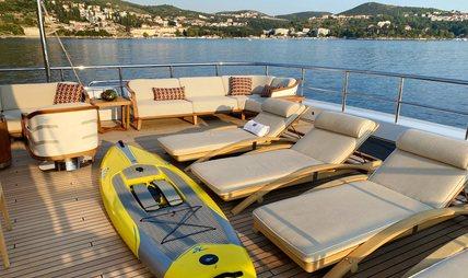 W Charter Yacht - 4