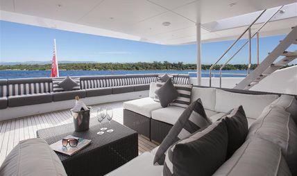 Mac Brew Charter Yacht - 5