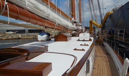 Columbia Charter Yacht - 4