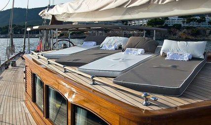 Gweilo Charter Yacht - 7