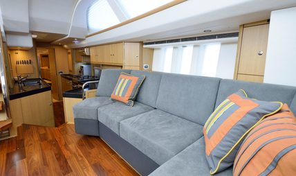 Tiger Charter Yacht - 6