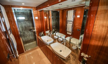 Notorious Charter Yacht - 8
