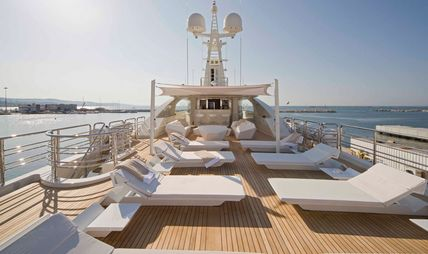 Light Holic Charter Yacht - 3